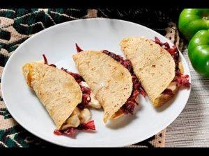 quesadillas-flor-de-jamaica